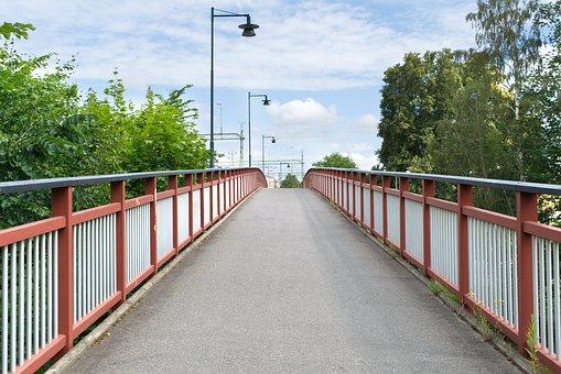Isolatorer kan bli till broar istället för avfall